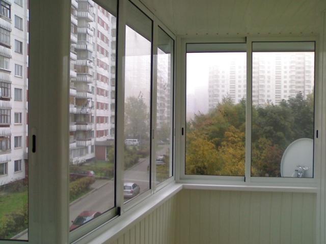holodnoe_osteklenie_balkona_pri_pomoschi_alyuminiya_v_Dnepre