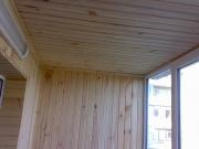 Балкон под ключ в Днепропетровске. Внутренняя обшивка деревянной вагонкой