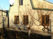будинок з вікнами veka